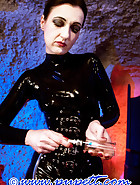 Lady Victoria torments Pupett, pic 7
