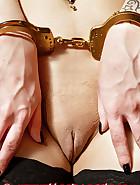 Handcuffed in a net bag, pic 6