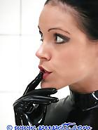 Extreme rubber bondage, pic 4