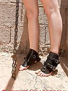 Desdemona in bondage, pic 1