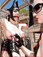 Desdemona in bondage, pic 11